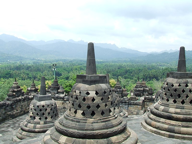 File:Borobudur 2008.JPG