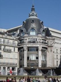Bazar De L'tel Ville - Wikipedia