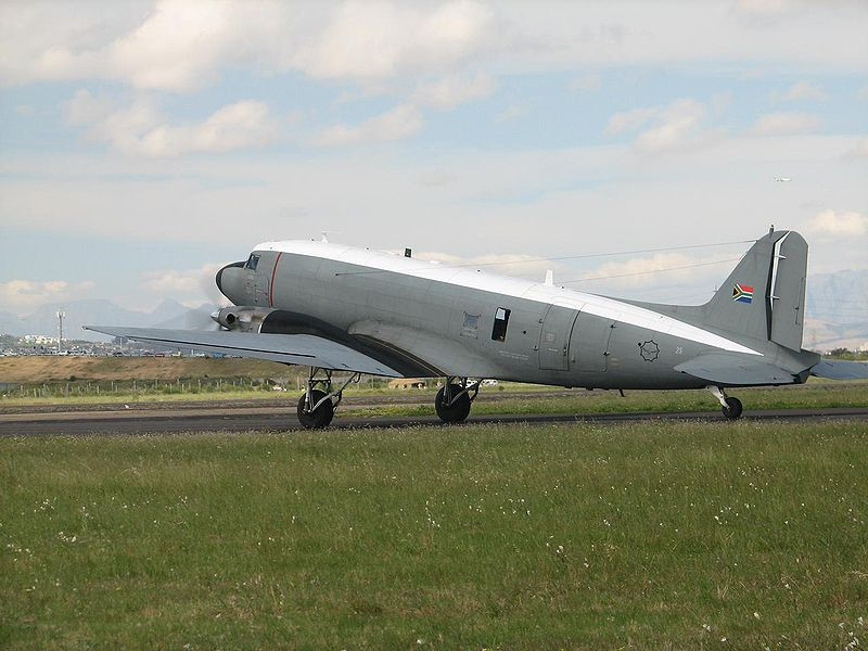 File:Dakota C-47 at Ysterplaat Airshow, Cape Town.jpg