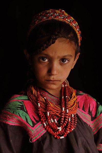 File:Kalash girl.jpg