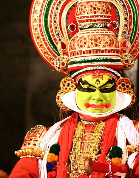 File:Kathakali Performance Close-up.jpg