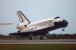 STS-116 Landing (NASA KSC-06PD-2861)