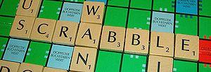 Deutsch: Scrabble-Schriftzug auf Scrabble-Spie...