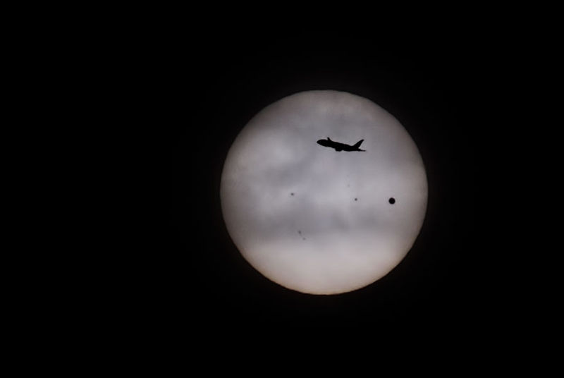 File:Transit of Airplane during Transit of Venus across the Sun - June 05, 2012