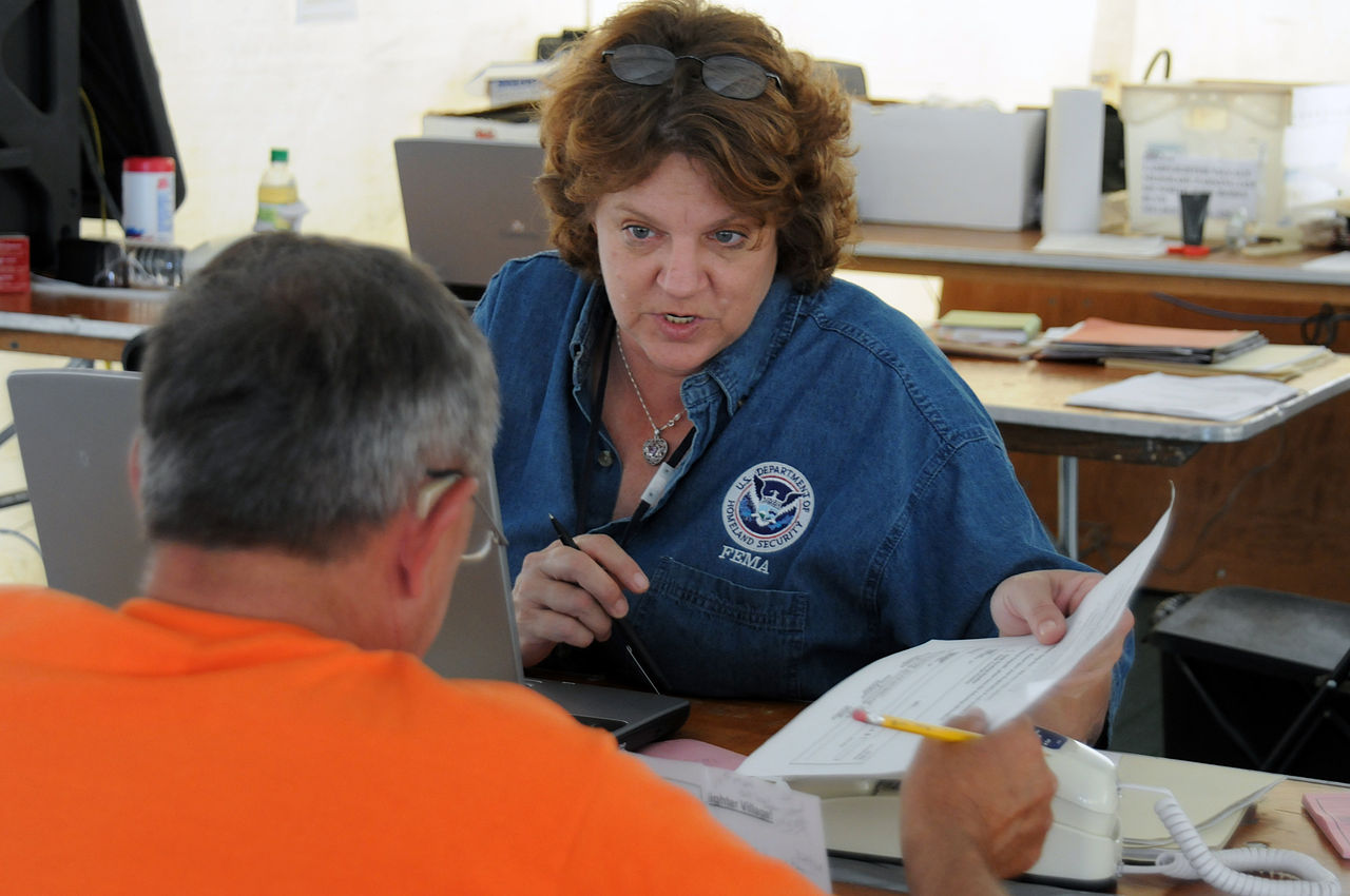 Disaster Recovery Specialist File Fema 37898 Fema Individual Assistance Specialist Helps A
