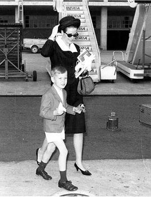 Grace Kelly y Alberto de Mónaco 1964. Llegando...