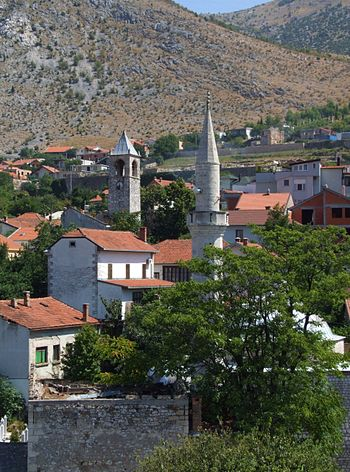 English: Mostar - church and mosque