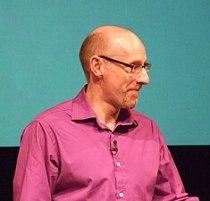 English: Richard Wiseman speaking at TAM Londo...