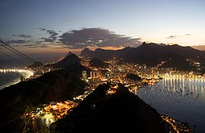 English: Rio de Janeiro's night skyline seen f...