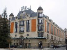 Silken Hotel - Wikipedia