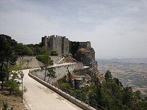 Português: Castelo de Erice é uma a pequena ci...