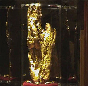 The Hand of Faith, the largest gold nugget in ...