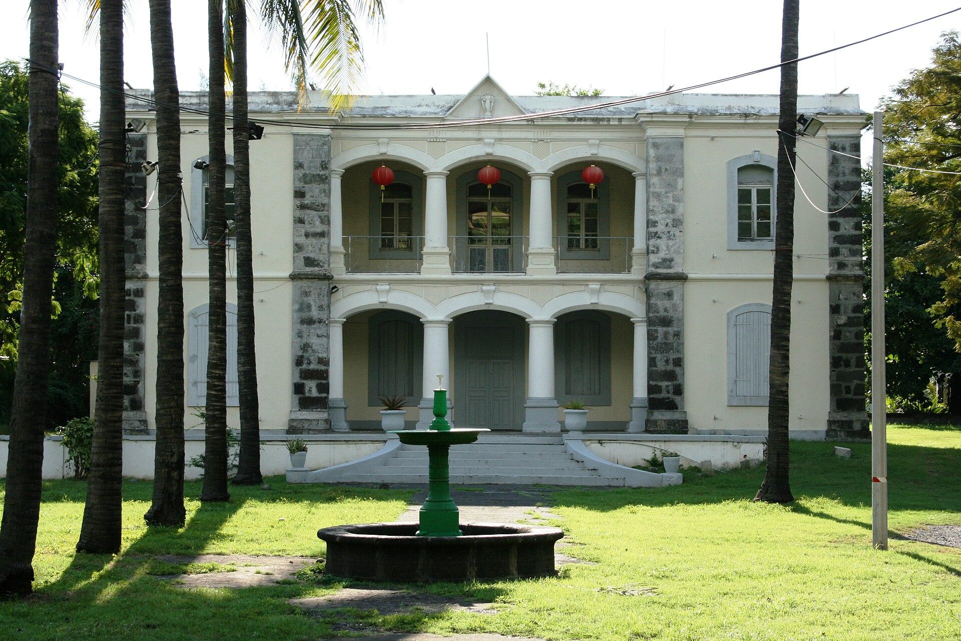 Maison Grand Cour  Wikipdia