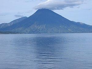 Atitlan lake (Guatemala), Toliman volcano, Aug...