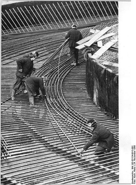 File:Bundesarchiv Bild 183-E1124-0013-001, Baustelle Kraftwerk Thierbach, polnische Monteure.jpg