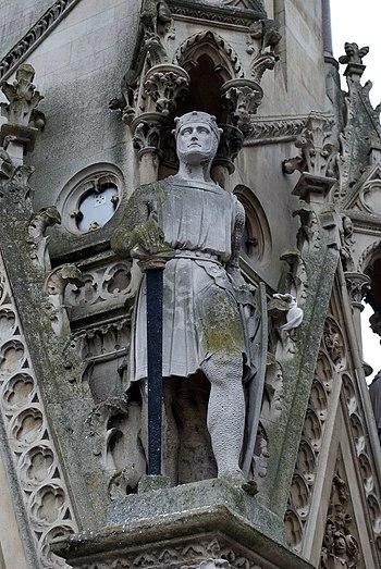 English: A statue of Simon de Montfort on the ...