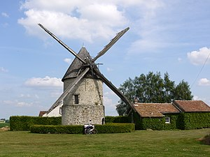 English: Windmill Choix near Gastins, Seine et...