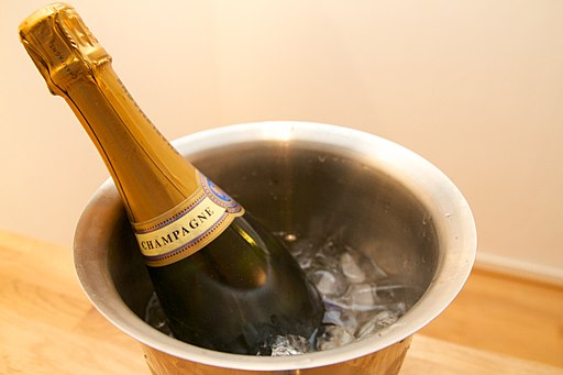 Champagne cooler - 2013-12-26 at 19-32-24