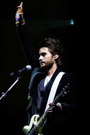 Jared Leto flipping the bird after the sound c...