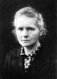 Marie Curie c1920.png