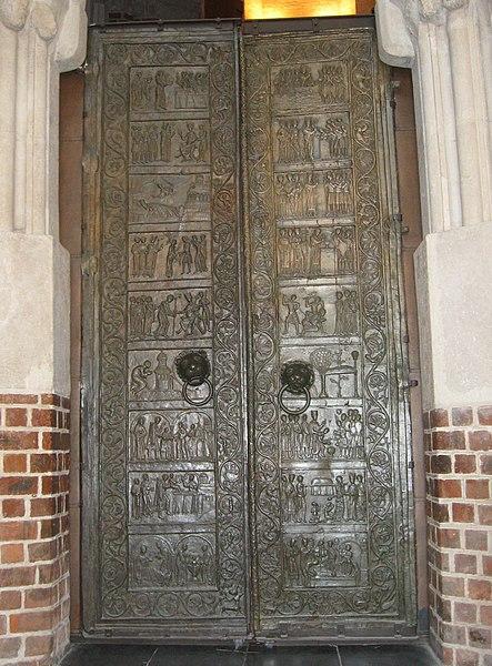 Gniezno_Door.JPG.jpg