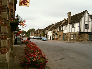 English: Image of the High Street of Lacock Vi...
