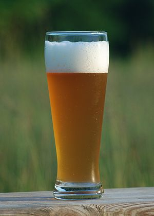 English: wheat beer Deutsch: Weizenbier