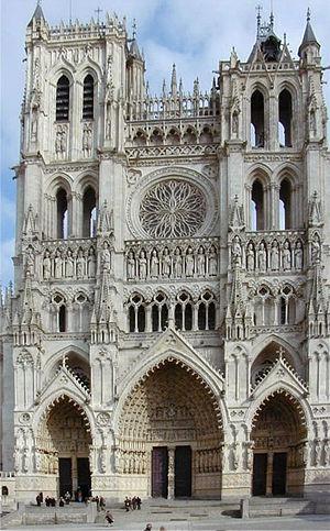 Gotička arhitektura - Page 2 300px-Amiens-cath%C3%A9drale