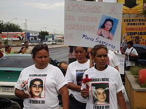 Familiares de mujeres asesinadas en Ciudad Juá...