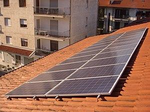 Italiano: Impianto fotovoltaico