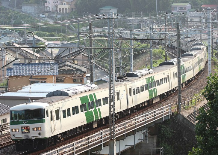 ホリデー快速鎌倉 9月から全席指...