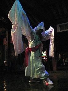 Tarian Tradisional Cina : tarian, tradisional, Tarian, Tradisional, Korea, Wikipedia, Bahasa, Indonesia,, Ensiklopedia, Bebas