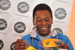 Português do Brasil: Pelé no encontro com cria...
