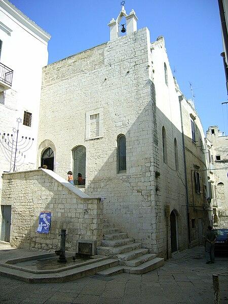 File:Scolanova Synagogue.jpg