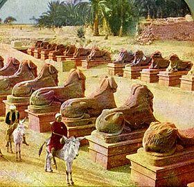 Avenida de Criosfinges em Karnak em Luxor