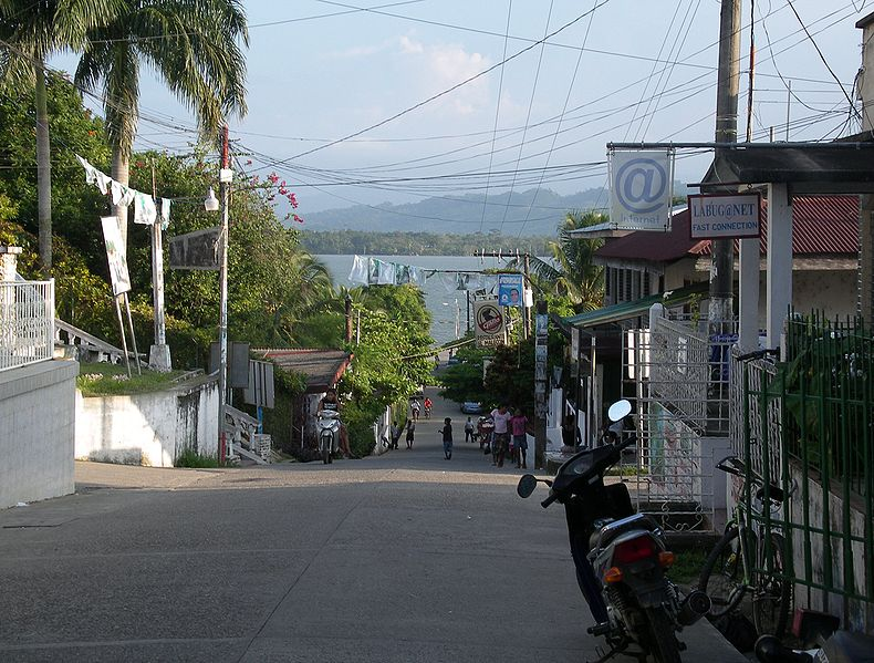 File:Livingston, Guatemala.JPG