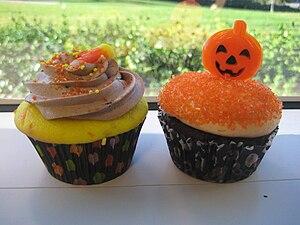 Candy corn cupcake and chocolate pumpkin cupca...