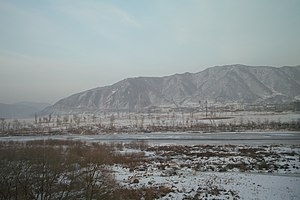 English: The Tumen River, at the border betwee...
