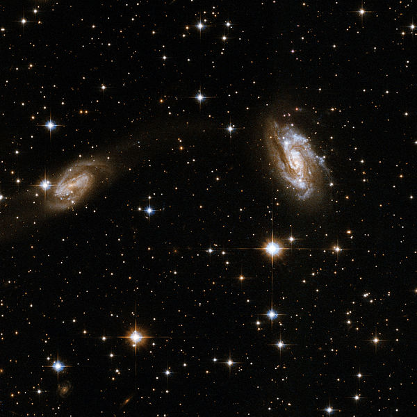 Bestand:Hubble Interacting Galaxy IRAS 18090 (2008-04-24).jpg