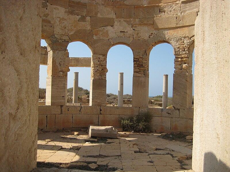 File:Market Leptis Magna 01.JPG