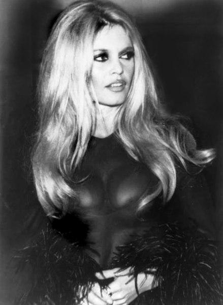 https://i0.wp.com/upload.wikimedia.org/wikipedia/commons/thumb/7/78/Brigitte_Bardot.jpg/439px-Brigitte_Bardot.jpg