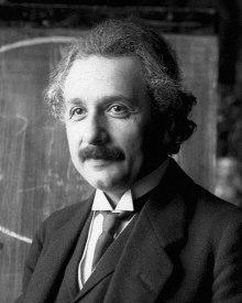 """Nel libro """"La teoria della relatività"""" Albert Einstein introduce una notazione che rende le formule della relatività generale più concise. """"Quando un indice si presenta due volte in un termine d'una espressione, occorre sommare rispetto a esso, salvo il caso in cui sia esplicitamente indicato il contrario."""""""