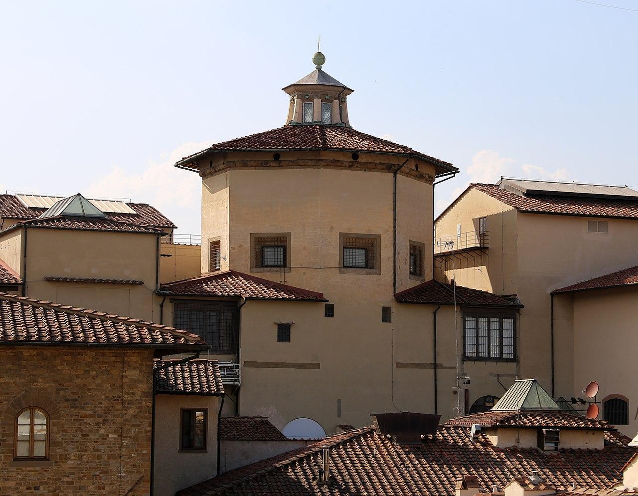 FilePalazzo della camera di commercio a Firenze terrazza