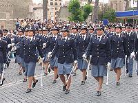 Allievi vice-ispettori della Scuola Sottufficiali ed ispettori di Nettuno in parata