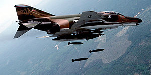 F4 phanto II 19658den beridir göklerde... tıpkı yüzlerce modelde ki american savaş uçağı gibi
