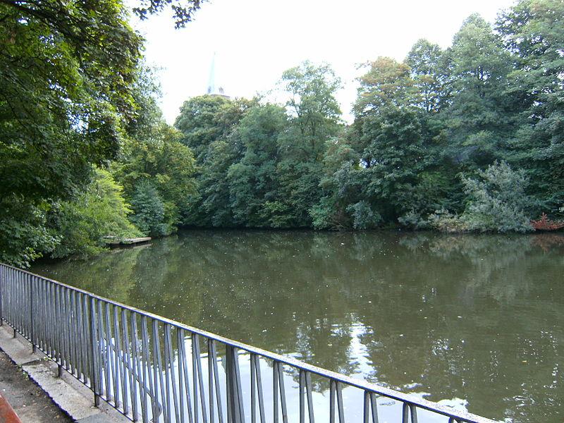 File:Hamburg-barmbek-wendebecken-löschplatz-lortzingstraße.JPG