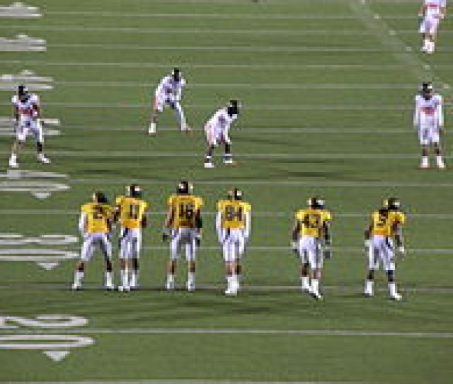 California Lines Up To Attempt An Onside Kick Against Oregon State In A November 2009 American Football Game Oregon State Recovered The Ball