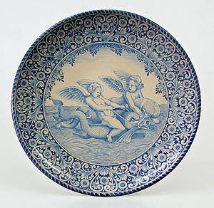 English: Ornamental maiolica plate of Laterza,...