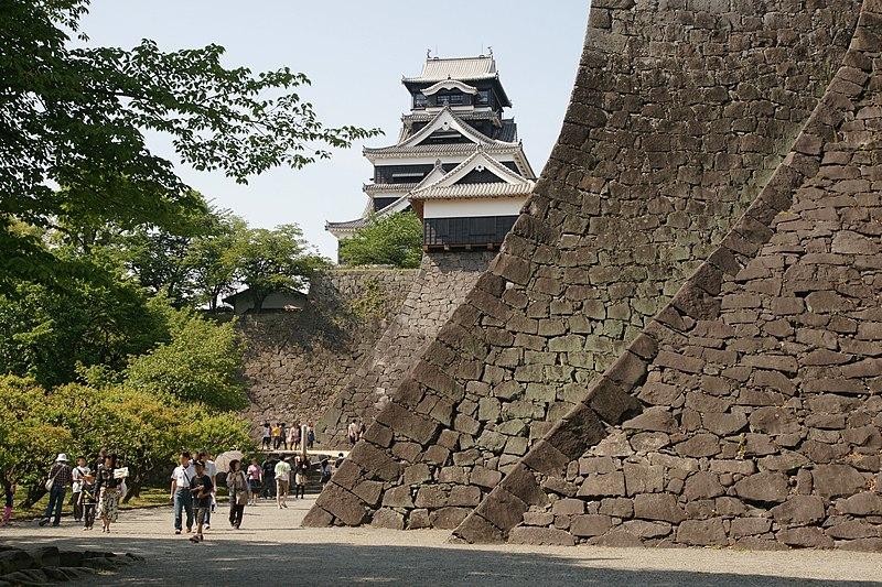 File:Kumamoto Castle 02n3200.jpg