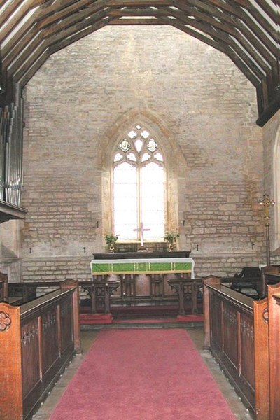 File:St James, Longborough Gloucestershire - Chancel - geograph